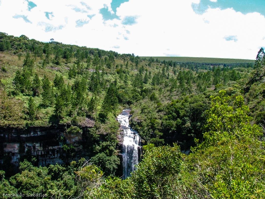 Cachoeira vista da trilha do Paraíso (Vale Itararé)