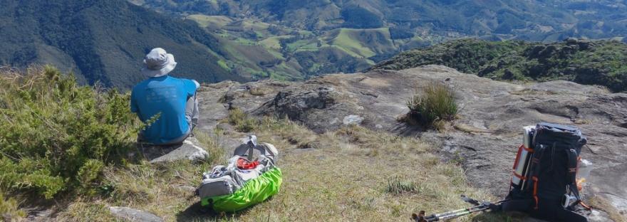 Descansando perto do Pico do Marins