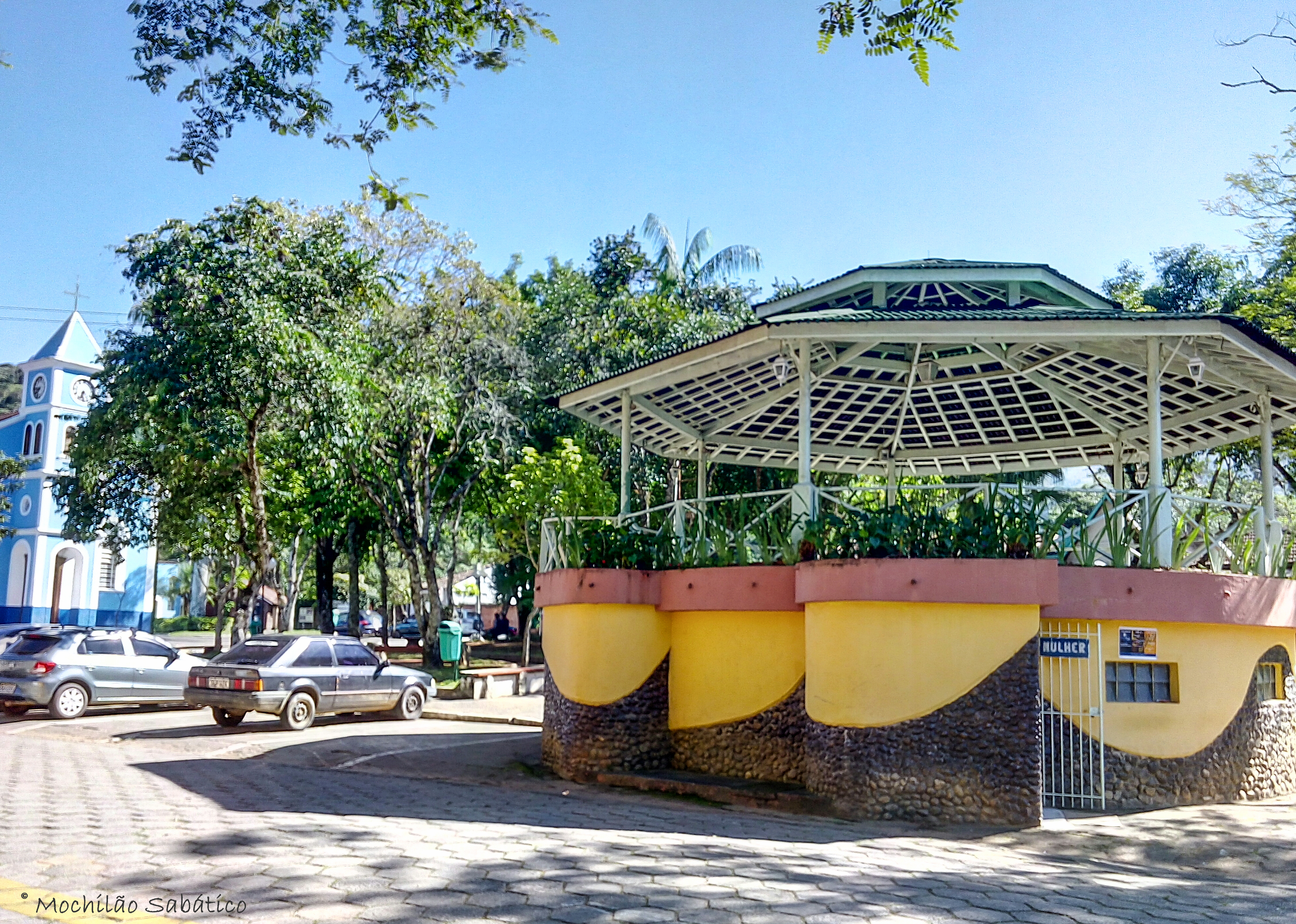 Praça São Francisco Xavier (São José dos Campos, SP)