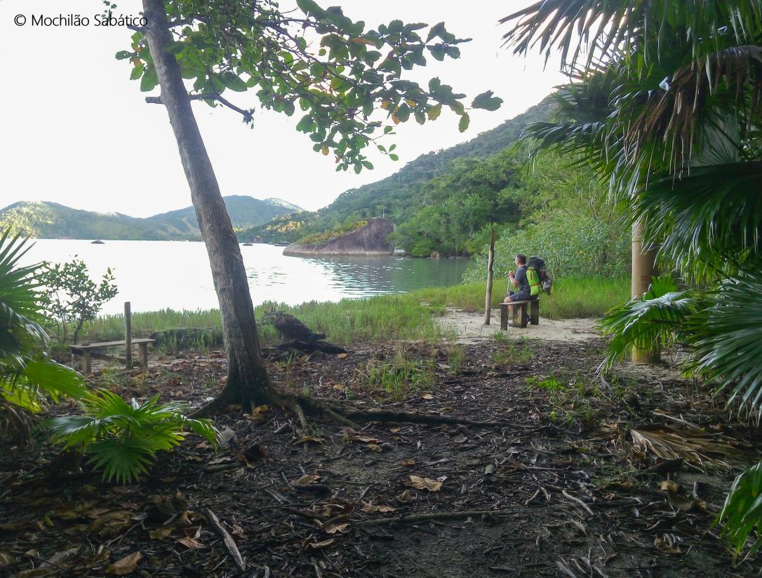 Trilha no saco do Mamanguá (Paraty)